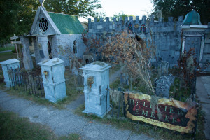 Image of cemetery headstones at Hellview Cemetery haunt attraction.