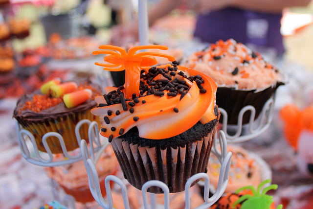 Image of three cupcakes decorated for Halloween.