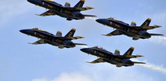 Image of U.S. Navy Blue Angels in flight.