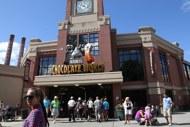 Image of entrance to Hershey Chocolate World in Hershey PA