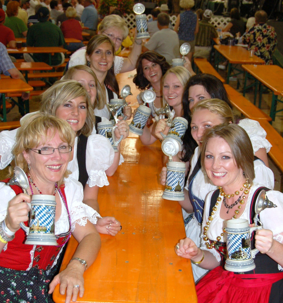 girls in drindls enjoying Mount Angel Oktoberfest