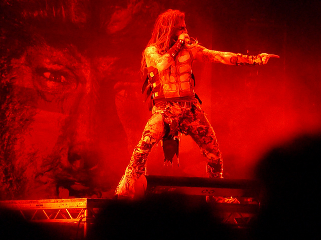 Image of Rob Zombie in live concert.