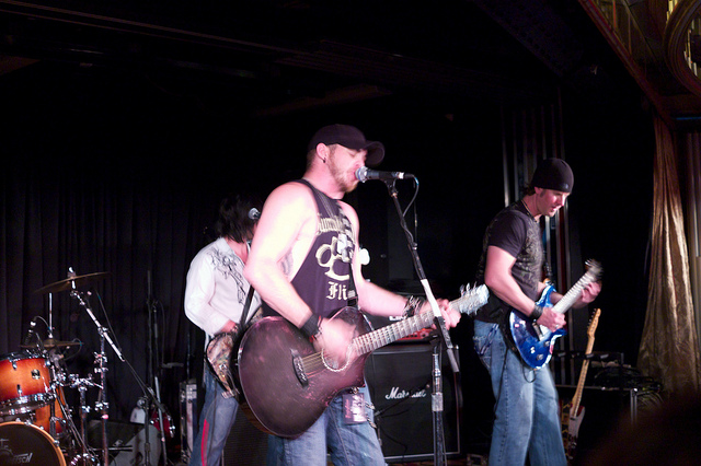 Image of Brantley Gilbert playing in concert.
