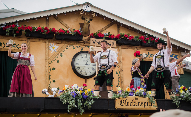 Image of performers at Cleveland Oktoberfest.