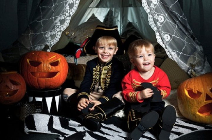 10 Spooky And Fun Childrens Halloween Party Ideas