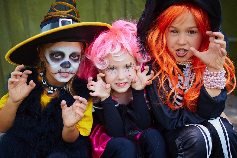 2b4125a8dbd Our Rebuilt Halloween Costume Store for 2017 - Funtober